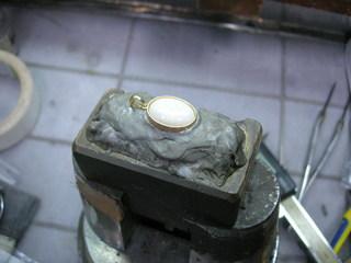18金オパールの指輪をペンダントに01.JPG