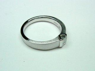 PT900 エメラルドカットダイヤリングサイズ直し06.JPG