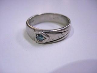ブルーダイヤ結婚指輪サイズ直しと爪交換01.JPG