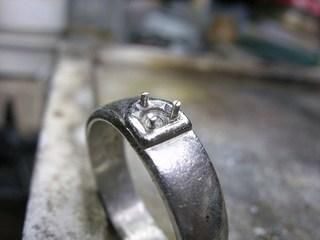 ブルーダイヤ結婚指輪サイズ直しと爪交換05.JPG