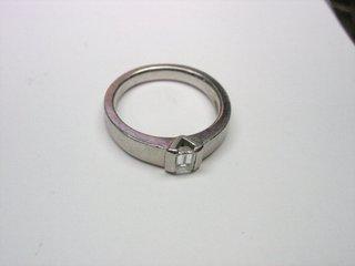 PT900 エメラルドカットダイヤリングサイズ直し01.JPG