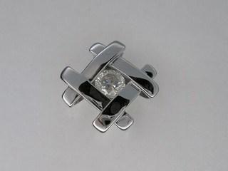 pt900 1ctオーバーのダイヤペンダントリフォーム02.JPG