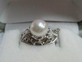 プラチナ真珠のタイタック01.JPG